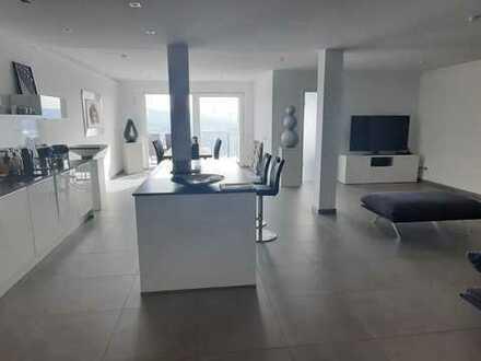 Neuwertige 3-Zimmer-Wohnung mit Balkon und EBK in Obernburg