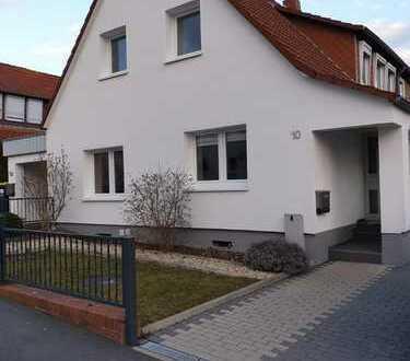 Gepflegtes 4-Zimmer-Mehrfamilienhaus mit EBK in Göttingen, Göttingen (Kreis)