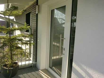 Helle, neuwertige 2,5-Zimmer-Wohnung auf Zeit, mit Balkon und voll möbilier in Ravensburg