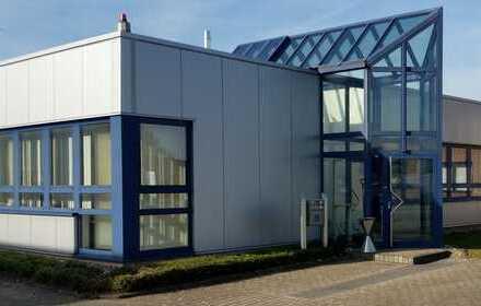 Gewerbeeinheit mit Büro und Halle/Werkstatt
