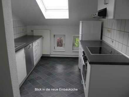 Vermietete 3,5-Zimmer-Dachgeschosswohnung mit EBK in Lübeck