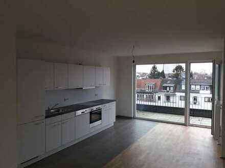 Neuwertig mit offener Küche, Gäste-WC & 2 Dachterrassen, inkl. Stellplatz!