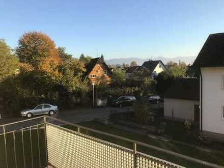 Hier lässt es sich leben: Ruhige 3 Zimmer Wohnung in Lindau mit Bergsicht