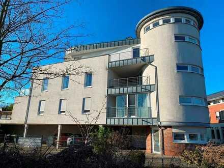 2-Zimmer-Wohnung mit Loggia, Aufzug und überdachtem Stellplatz zu vermieten