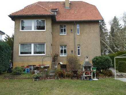 Hermsdorf, exklusive ruhige Lage: Mehrfamilienhaus mit 3 WE, teilw. freiwerdend, großes Grundstück!