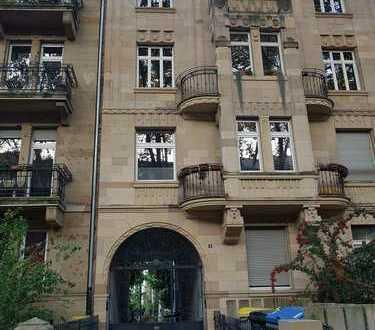 Stilvolle, gepflegte 3-Zi-Maisonette-Whg in Jugendstilanwesen, 105 qm Grundfläche auf 2 Eb, Balkon