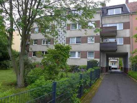 Südstadt Am Jungfernplan : ruhige 2-Zi.-Wohnung mit Gartennutzung und Garage,keine Maklercourtage