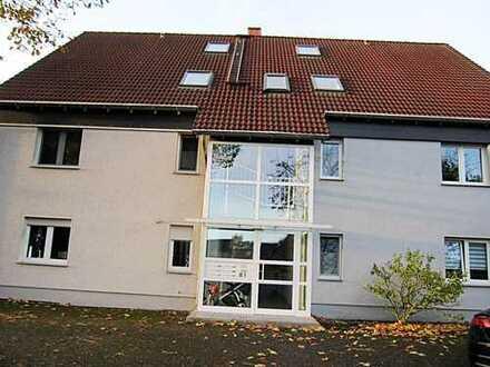 NEUVORSTELLUNG: Schöne, lichtdurchflutete Eigentums-Wohnung mit Balkon & Stellplatz auf zwei Etagen