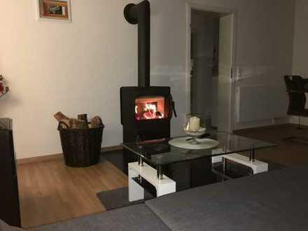 Möbilierte 3-Zimmer-Wohnung mit Balkon und EBK in Augsburg