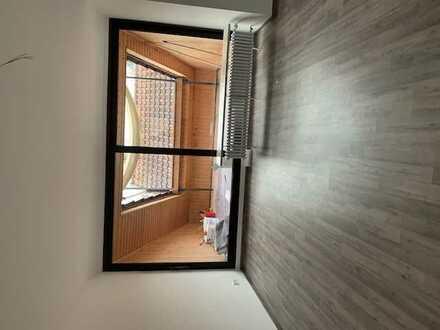 Erstbezug nach Sanierung: ansprechende 2-Zimmer-DG-Wohnung mit Balkon in Mannheim