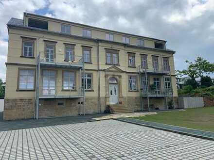 Erstbezug mit Balkon: ansprechende 4-Zimmer-Erdgeschosswohnung in Pirna