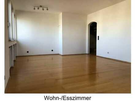 Helle 4-Zimmer-Maisonette-Wohnung mit Loggia in Röttenbach