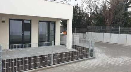 Nagelneue 2-Zimmer-EG-Wohnung mit Terrasse und Garten in der Friesenstraße 20, Augsburg