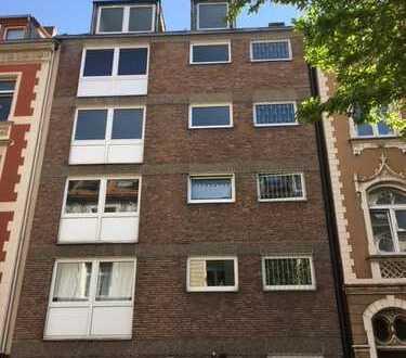 Schöner Wohnen im Veedel, Nippes 2-Zimmer-Dachgeschosswohnung
