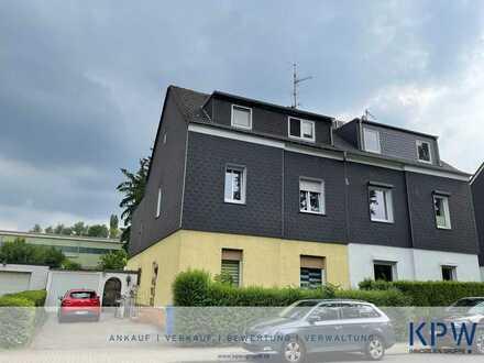 [Essen-Frillendorf] Gepflegtes Dreifamilienhaus mit großzügigem Grundstück und guter Verkehrsanbindu
