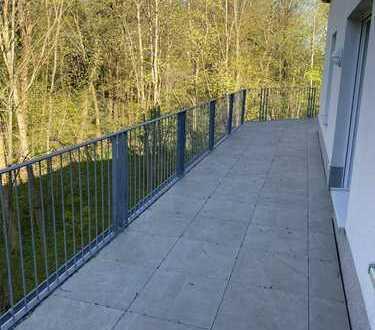 Traumhaft schöne, barrierefreie Penthousewohnung in Komfort-Wohnanlage in direkter Kanalnähe