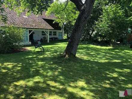 Denkmalgeschütztes, historisches Anwesen, liebevoll renoviert, mit Innenhof und idyllischem Garten