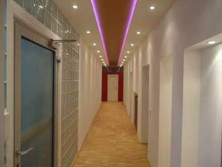Top-Lage Volksgarten *Büroloft/Galerie mit 2 Stellplätzen*