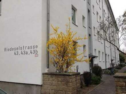 Sanierte 3 Zimmer Wohnung mit EBK zentral in Darmstadt