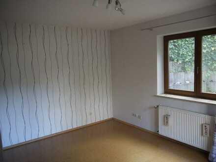 Gepflegte 2-Zimmer-Wohnung mit Terrasse und EBK in Freigericht