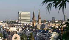 Kapitalanlage mit hoher Rendite: Skyroom/Luxus-Panorama-Aptm. im 4 Sterne Hotel, Düsseldorf-Zentrum