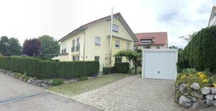 Doppelhaushälfte mit Garten und Garage, auch als Mehrgenerations-Haus