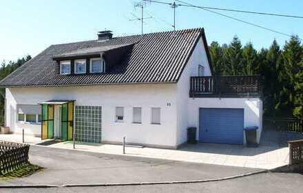 Kirchberg + 55 km - Großes Einfamilienhaus in ruhiger Waldrandlage