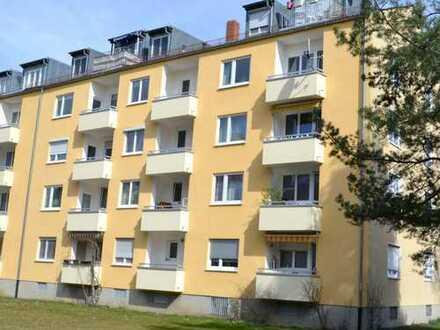 Gepflegte und helle 1-Zimmer-Wohnung mit Balkon in München-Hasenbergl