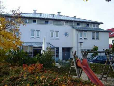 3-Zimmer-Wohnung mit großer Dachterrasse in Altdorf!