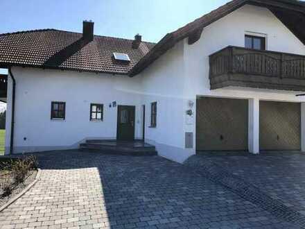 Schönes und saniertes 10-Zimmer-Mehrfamilienhaus zur Miete in Neufraunhofen
