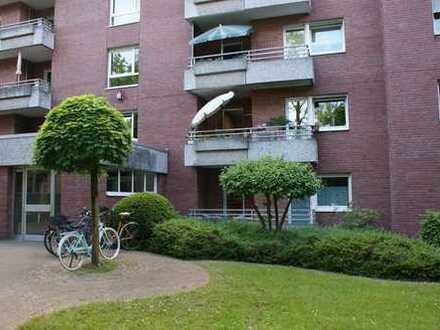 Sonnige 4-Zimmer Wohnung mit 2 Balkonen in Köln Weiden