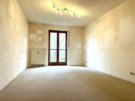 *** Renovierungsbedürftige Terrassenwohnung am Blütenanger *** 2 Zi. im EG + 1 Zimmer im Souterrain