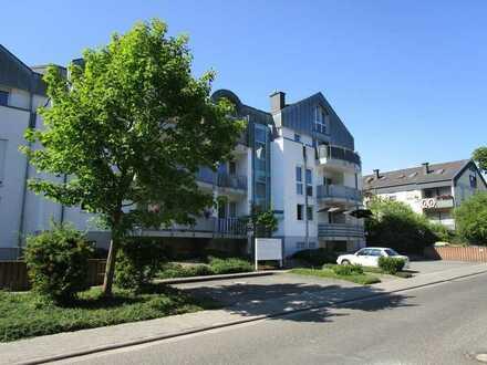 Gepflegte Wohnung mit 2 Balkonen | Blick auf den Rotenfels