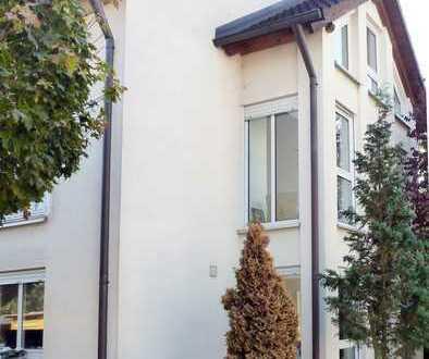 Schönes, geräumiges Haus mit 5 Zimmern und Küche in Nürnberg, Altenfurt, Moorenbrunn