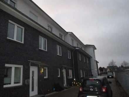 Leben in Isernhagen FB: Reihenmittelhaus mit 6 Zimmern