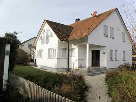Familien Willkommen: Großzügiges Wohnhaus in ruhiger, zentrumsnaher Wohnlage in Berg bei Neumarkt!