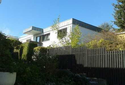 Schönes Haus mit sechs Zimmern in Böblingen (Kreis), Leonberg