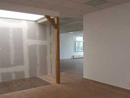 Helle Praxis-Fläche im Ärztehaus Lausitz Park Cottbus