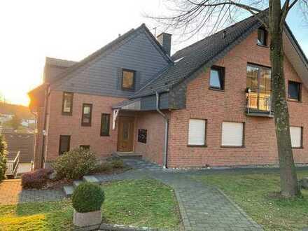 Gepflegte 4-Zimmer-Wohnung mit Balkon und EBK in Oberbergischer Kreis