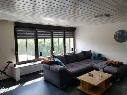 Brambauer, helle 2 1/2 Zi. Wohnung mit Balkon und Terrasse / PKW Stellplatz