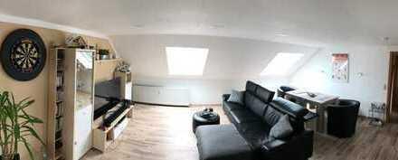 Fast Vollständig renovierte 2-Zimmer-Dachgeschosswohnung mit Einbauküche in Dortmund