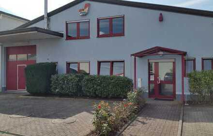 Gepflegte Teil-möblierte Gewerbeimmobilie / Büro's mit Hochregallager 400m²