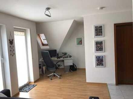 Tolle 1 Zimmer Wohnung mit Einbauküche, Balkon, Keller und TG-Stellplatz