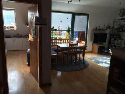 Exklusive, gepflegte 4-Zimmer-Maisonette-Wohnung mit Balkon und EBK in Bremen