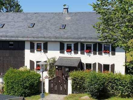 Historisches und saniertes Bauerhaus mit Einliegerwohnung und wunderschöner Gartenanlage