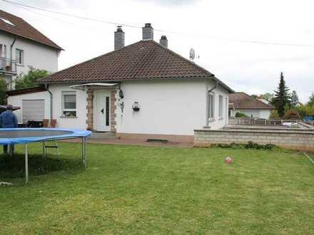 Einzelstück *Wohnen wie im Bungalow* 3 ZKB-Terrasse+Sonnengrundstück, ausreichend Stellplätze