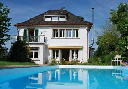 Exklusive Stadtvilla mit Pool im historischen Leimen unweit von Heidelberg