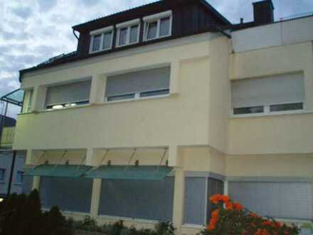 Stilvolle, gepflegte 3-Zimmer-DG-Wohnung mit Balkon und Einbauküche in Waiblingen Neustadt