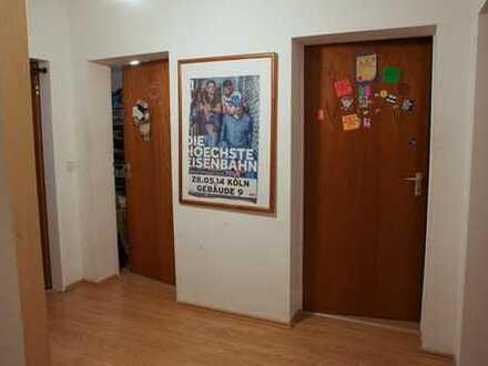15qm WG-Zimmer in 3er WG mit Balkon in Nippes