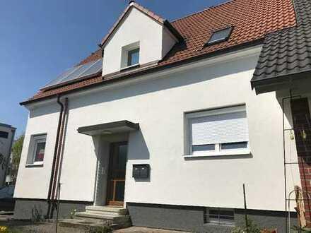 Schöne 2 Zimmer-Wohnung + Mansarden-Zimmer Singen (Hohentwiel), Kreis Konstanz